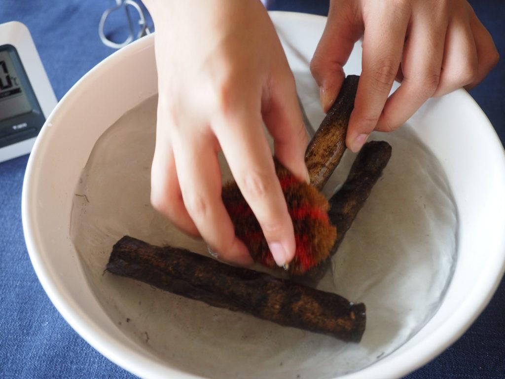 ゴボウの50℃洗い。水よりも簡単に泥が落ちる!